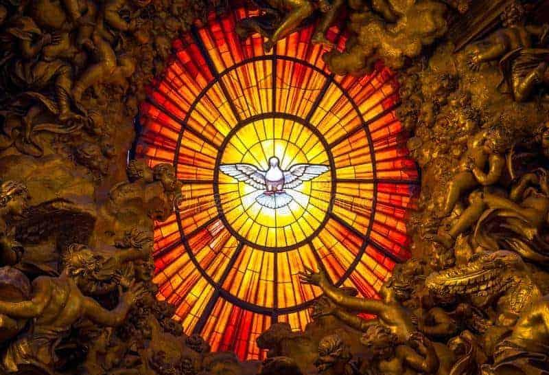 Pomba Do Vitral Do Espírito Santo Construído Por Gian Lorenzo ...