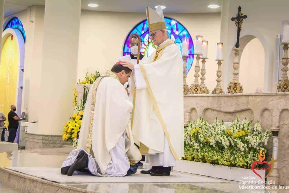 Dom Ângelo Mezzari é ordenado Bispo