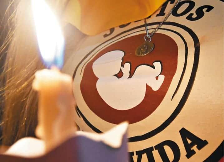 Aborto: a violência que retira o direito de nascer