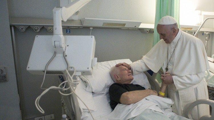 Papa Francisco: 'A proximidade é um bálsamo para quem sofre na doença'